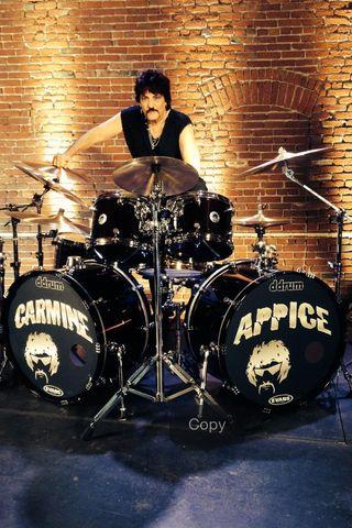 Carmine drums