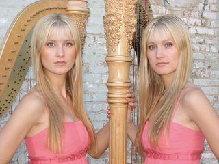 Harp Twins 1