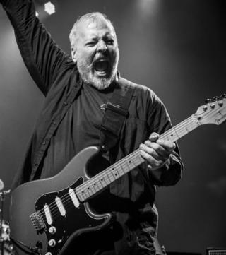 Mike keneally rockin