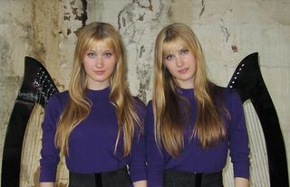 Harp twins 3