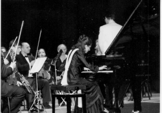 Tatlana performing black and white