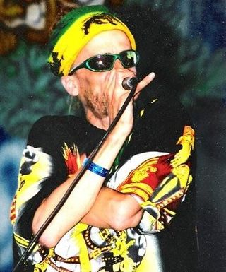 Rocker t yellow live