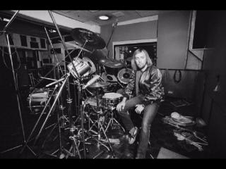 Mick Underwood drums