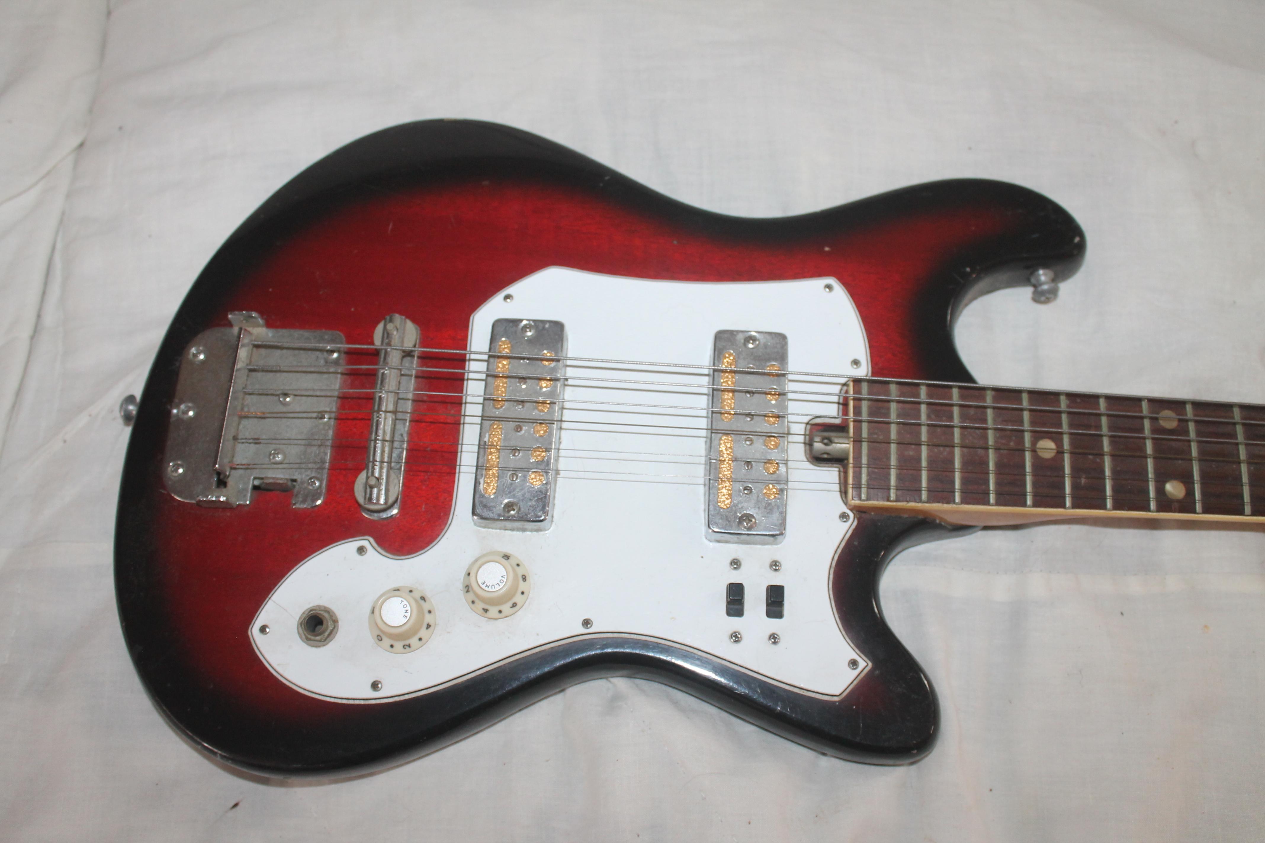 Vintage 1960's Sears Type Electric Guitar For Sale - Prestige
