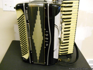 Johnny Knapp accordion